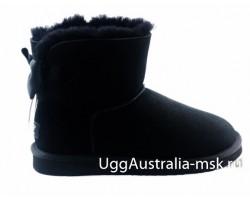 UGG BAILEY BOW MEDALLION BLACK