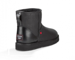 UGG MINI STAR WARS BLACK
